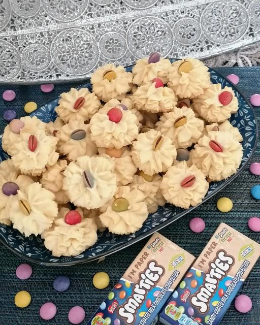 Smarties Biscuit