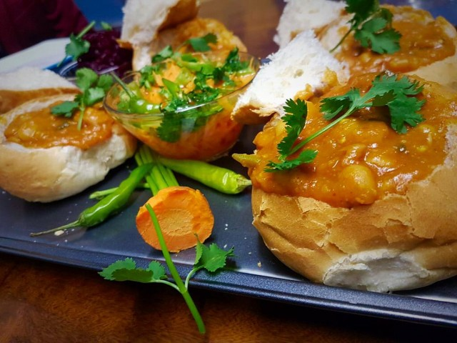 Sugar And Butterbeans Buns  Bunny Chow / My Recipe