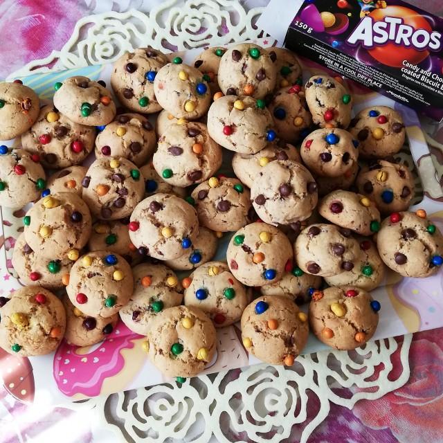 Chocolate Chip/mini Astros Cookies