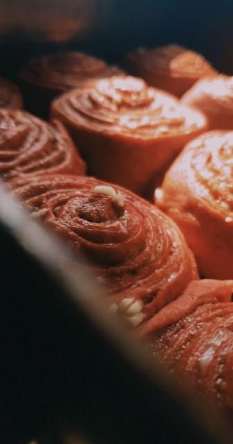 Red Velvet Cinnamon Roll