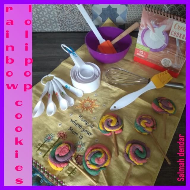 Rainbow Lollipop Cookies