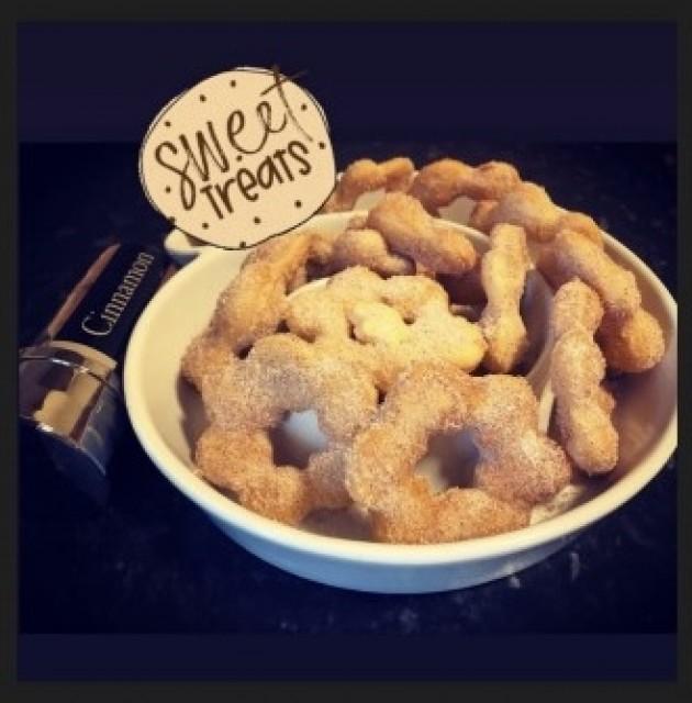 Puri Donuts In Cinnamon Sugar
