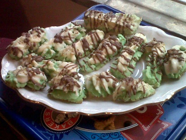 Green Biscuits