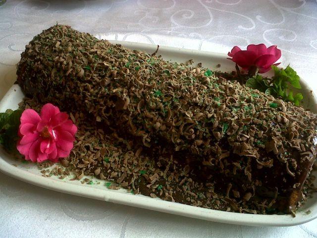 Peppermint Log Cake