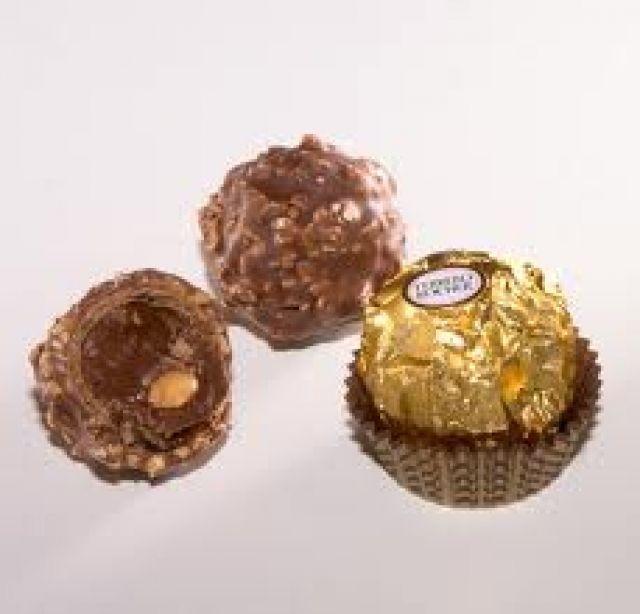 Ferrero Ŕoche Decadent Cup Cakes