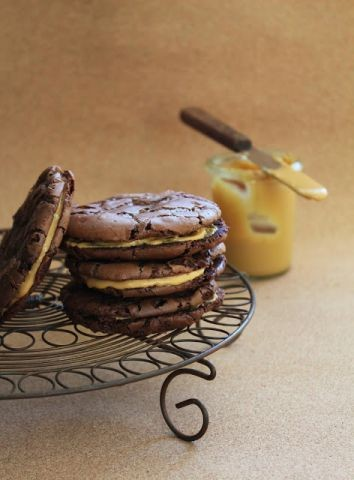 Chocolate Brownie Cookies With Caramelised White Chocolate
