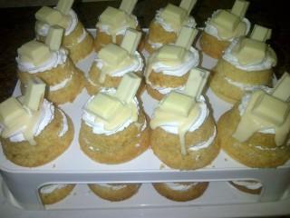 Milkybar Cupcakes