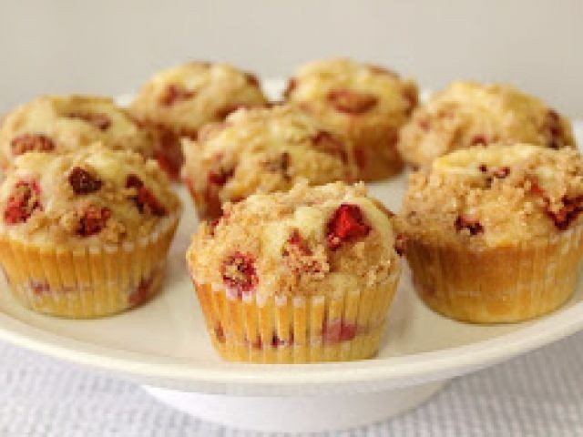 Strawberry Cheese Cake Muffins