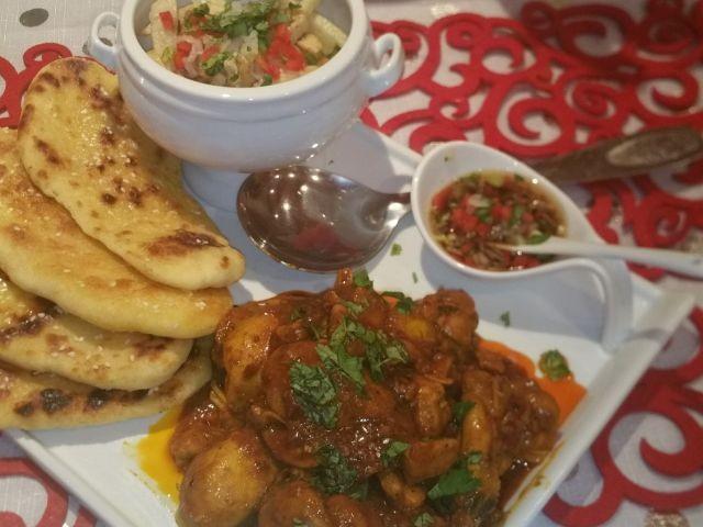 Imli Chicken And Imli Fries & Garlic Bread