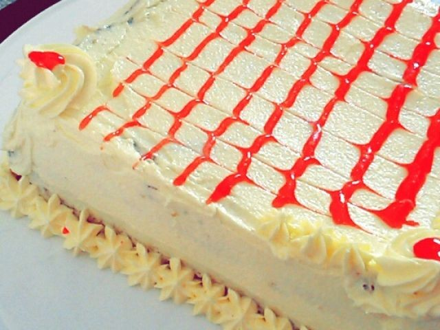 Vanilla Sponge Cake With Mock Icing!!!