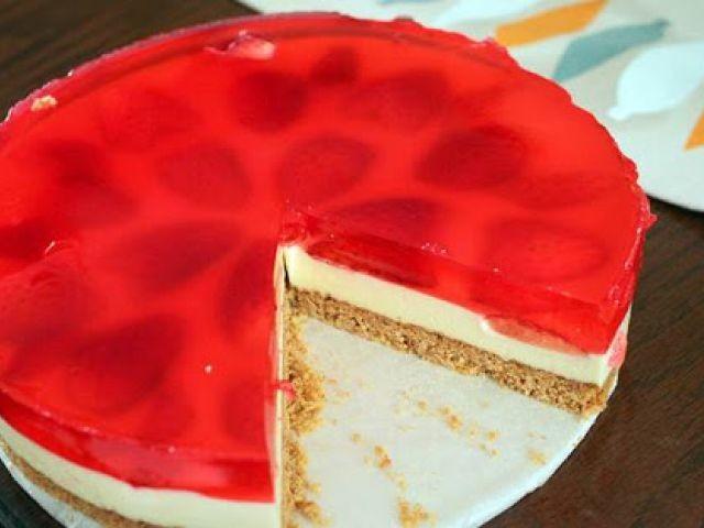 White Chocolate & Berry Cheesecake