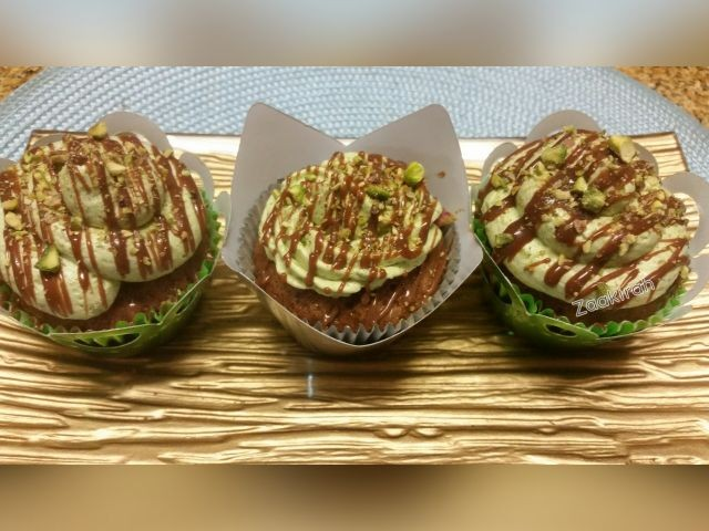 Chocolate Cuppies With Pistachio Buttercream And Coffee Syrup
