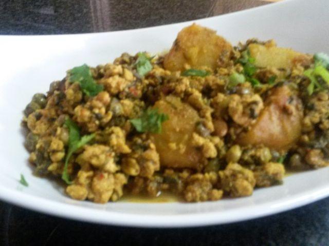 Mince With Methi Bajee & Potato Tarkari