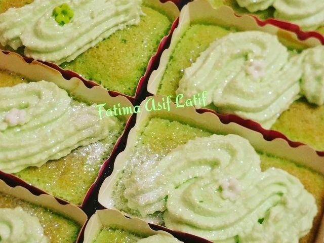 Peppermint Cream Cakes