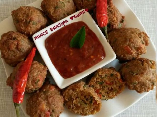 Tuna Or  Mince Bhajiya