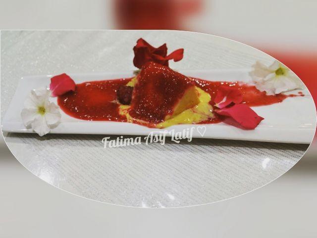 Mango Ice Cream With Raspberry Coulis