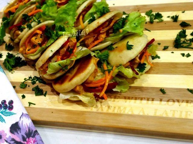 Chicken Pitas With Machachos Inspired Chicken Filling