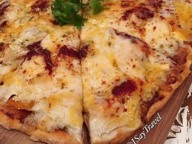 Habibi's 3 Cheeses Margarita Pizza Topping