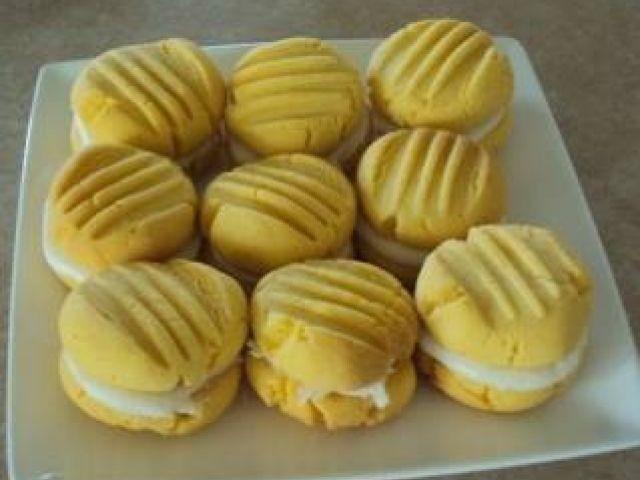 ♥ Custard Almond Creams  ♥