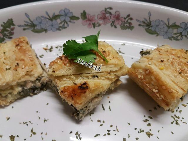 Creamy Spinach, Mushroom, Feta & Chicken Pie