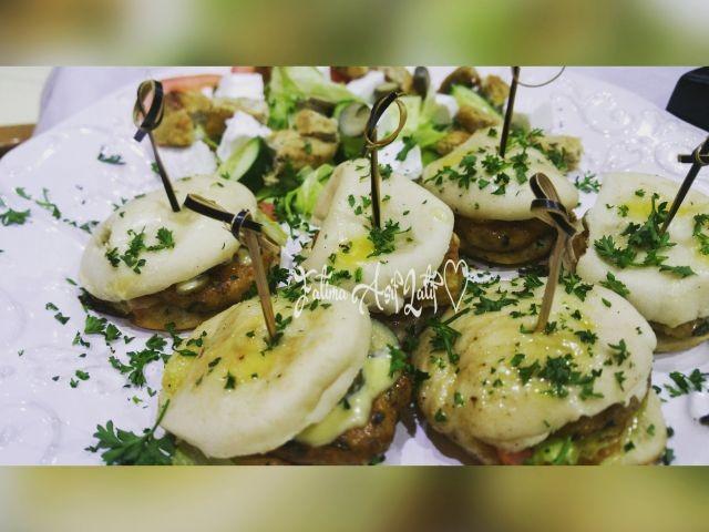 Mini Chicken Burgers In Pita Bread 🍞