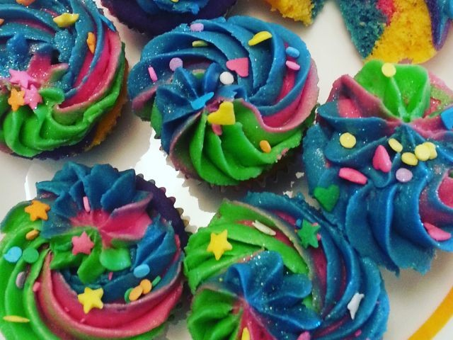 Rainbow Cuppies With Tie -dye Icing