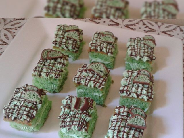 Peppermint Cakes