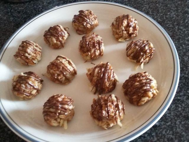 Apple Peanut Butter Truffles