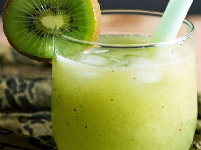 Refreshing Kiwi And Lime Cooler