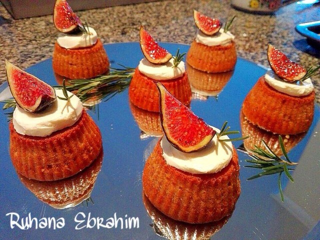 Caramelized Fig Cupcakes With Cinnamon Mascarpone Frosting