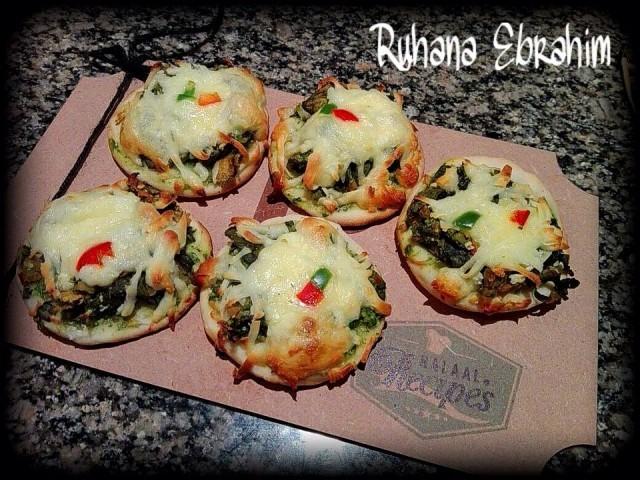 Copycat Reeza's Pattha Pizzas