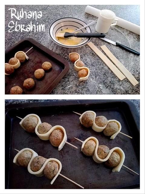 Mini Meatball Skewer Pies