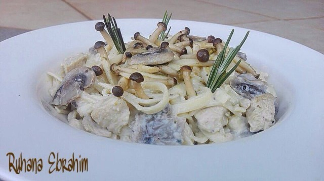 Creamy Exotic Mushrooms Chicken Alfredo