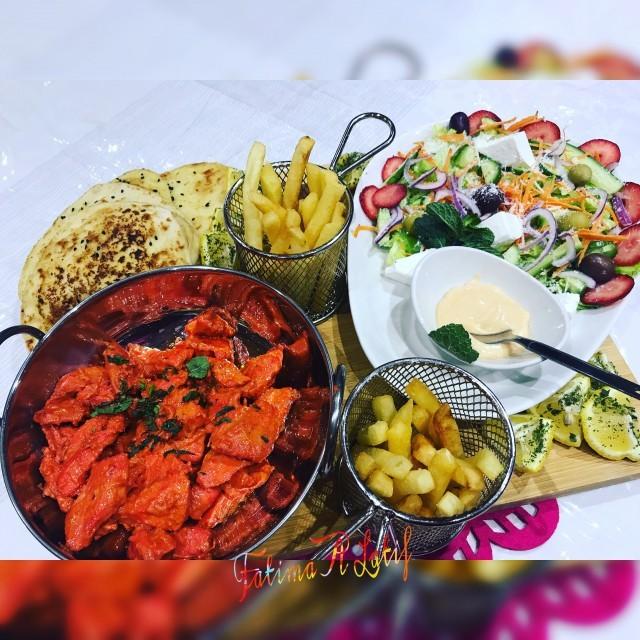 Chicken Boti, Garlic Naan & Parmesan Salad