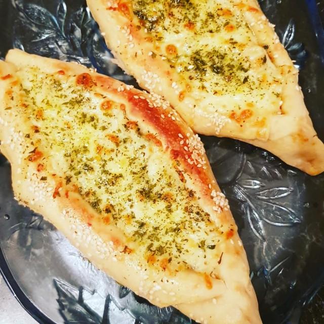 Turkish Pizza Pides