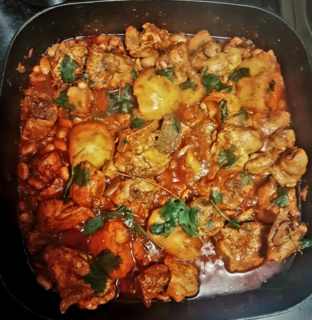 Chicken And Gadra Beans Curry