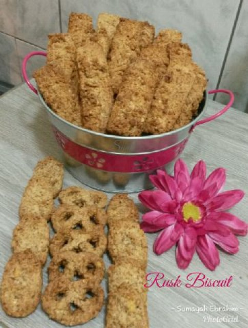 Rusk Biscuit