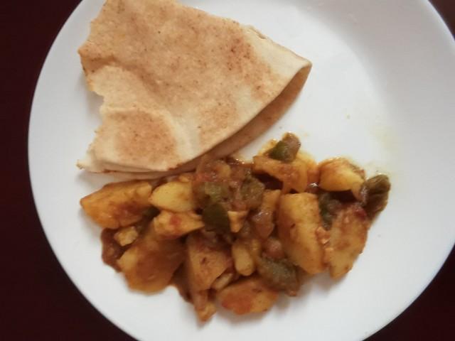 Potato-capsicum Curry