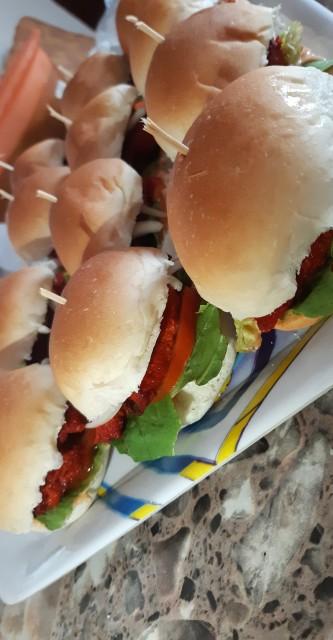 Mini Tandoori Burgers
