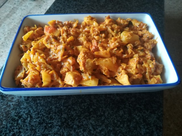 Cabbage And Chicken Fillet Curry