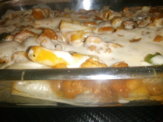 Mince And Bean With White Cheese Sauce Pasta Casserole