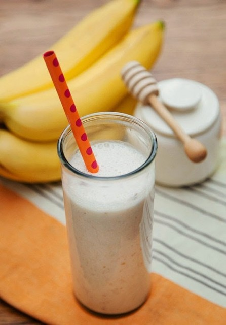 Banana And Date Smoothie.