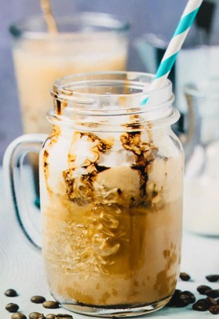 Homemade Starbucks Chocolate Frappucino