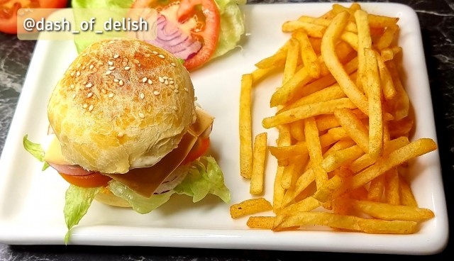 Home Made Chicken Burger-assemble Your Burger 🍔the Pro Way..