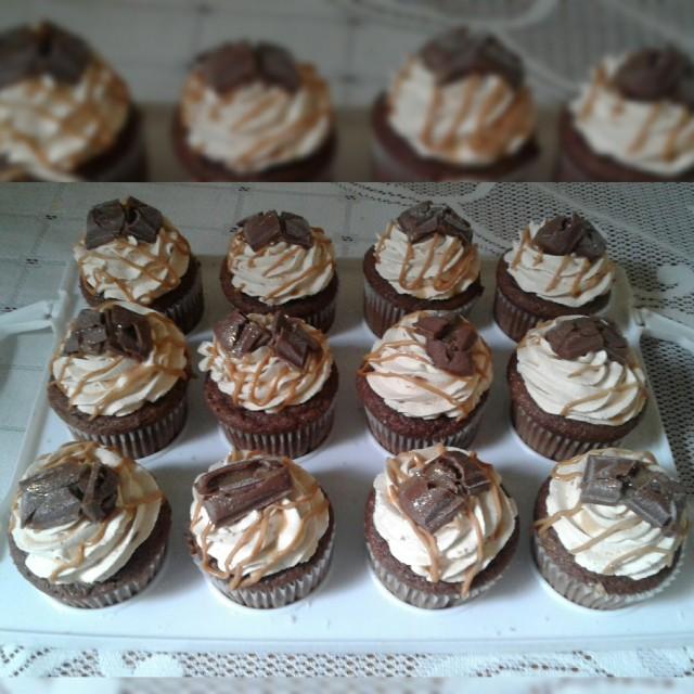 Caramel Mousse Cupcakes