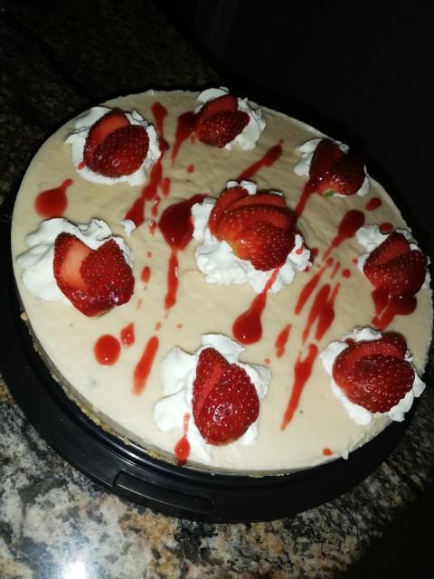 3-ingredient Strawberry Cheesecake