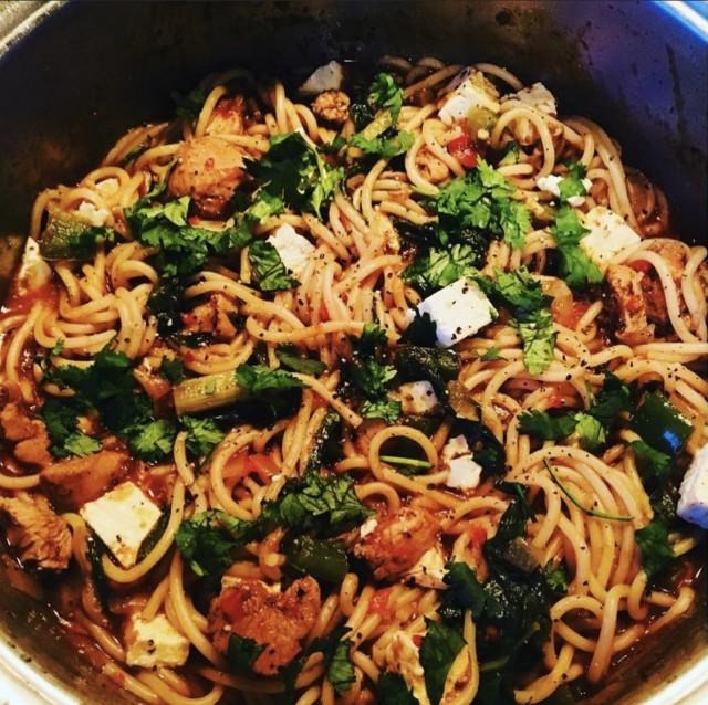Spicy Chicken, Tomato, Spinach And Feta Pasta