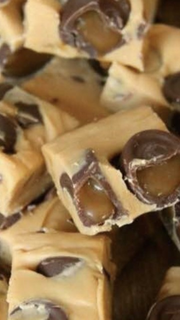 Caramel Rolo Fudge