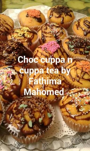 Vanilla Cupcakes Choc Drizzled