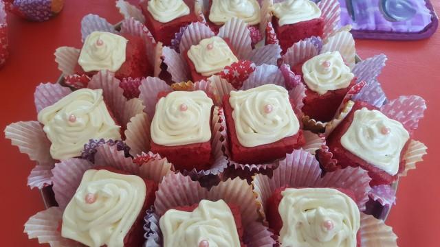 Red Velvet  Cupcake N Cremora Icing